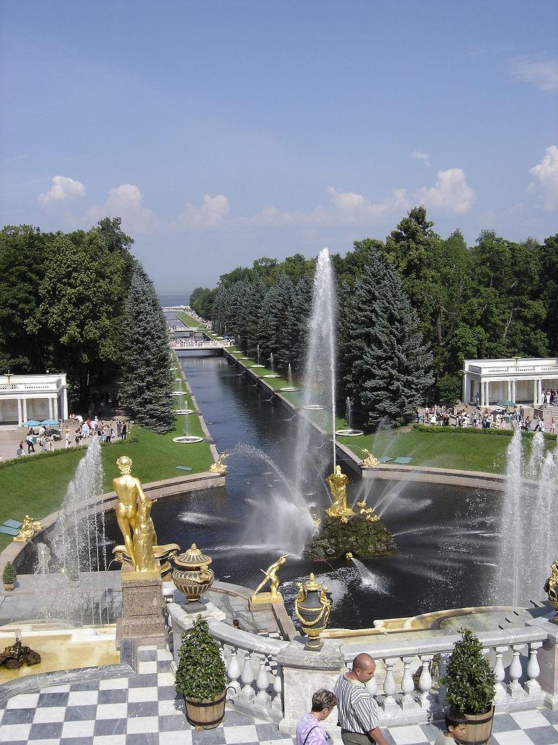 Peterhof, le Versailles russe 800px-11