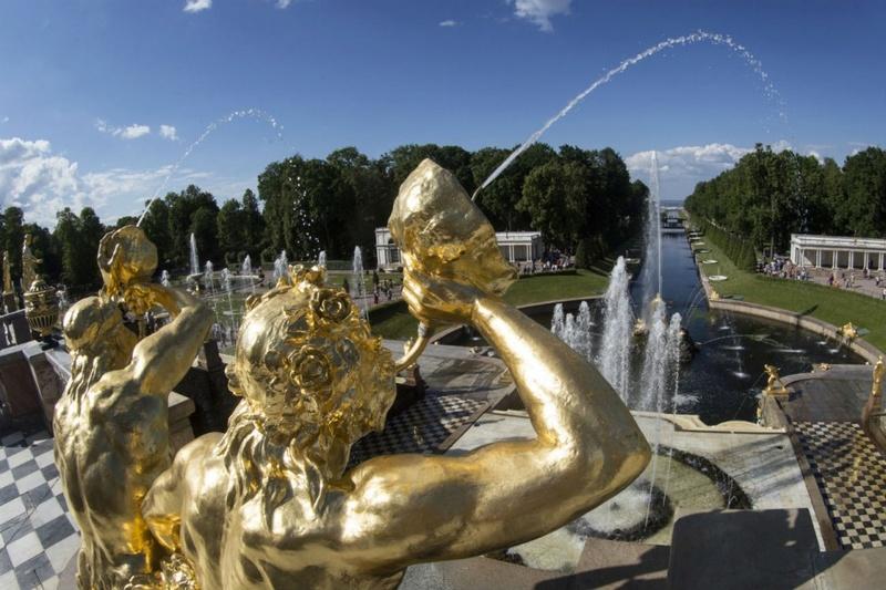 Peterhof, le Versailles russe Peterg10