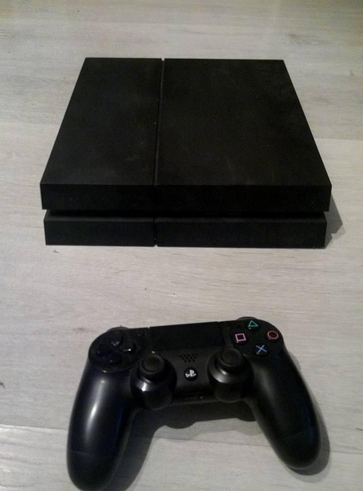 [ESTIM] console ps4 + boite + 10 jeux  20431510