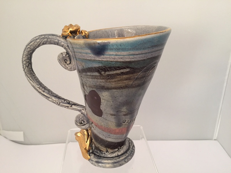 Unusual mug marked Oxford Gallery 2000 - Philomena Pretsell Img_2514
