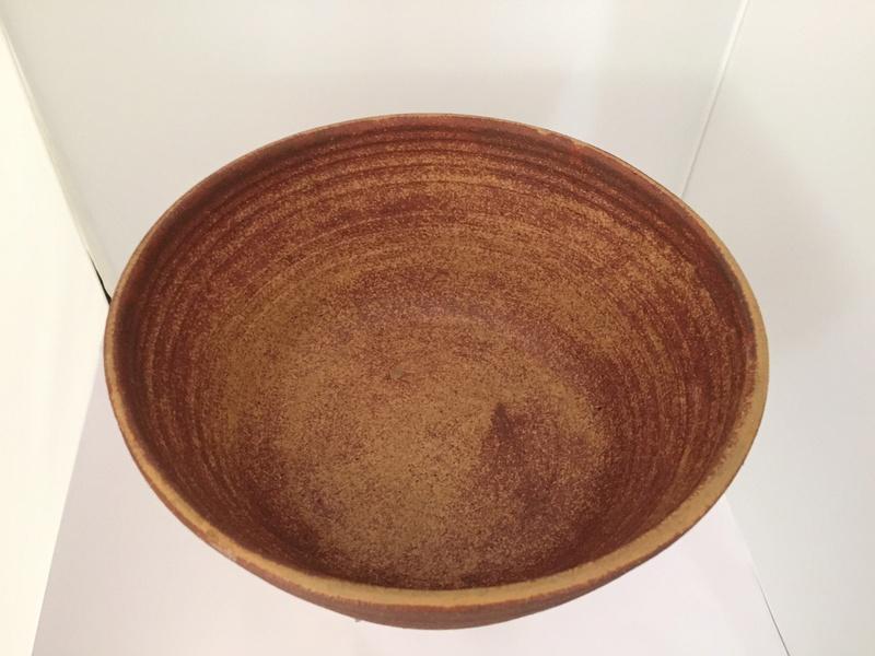 Large bowl marked JAY? Img_2526