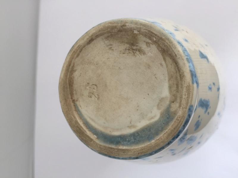 Small crystalline vase with 25 mark Img_2628