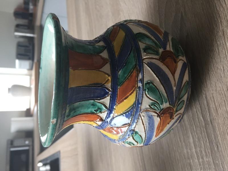 Italian sgraffito vase Img_2631