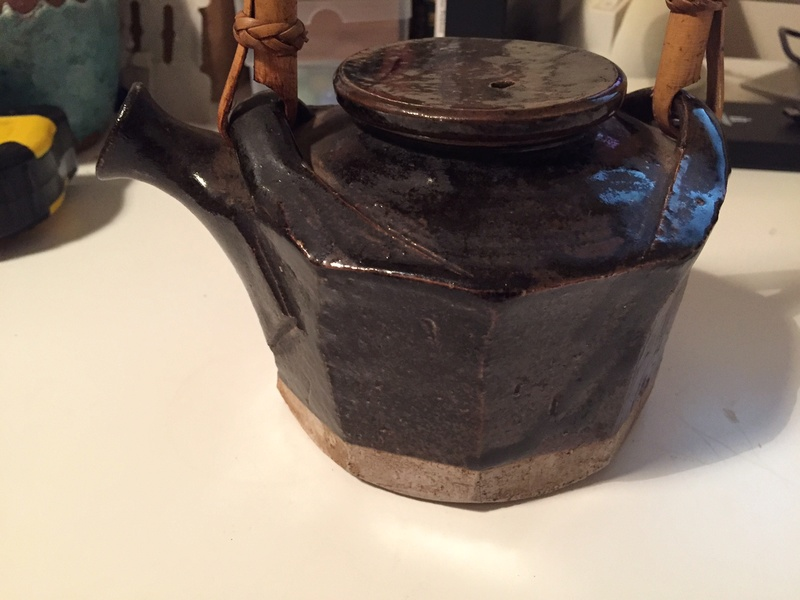 tenmoku glaze teapot with mark Img_2633
