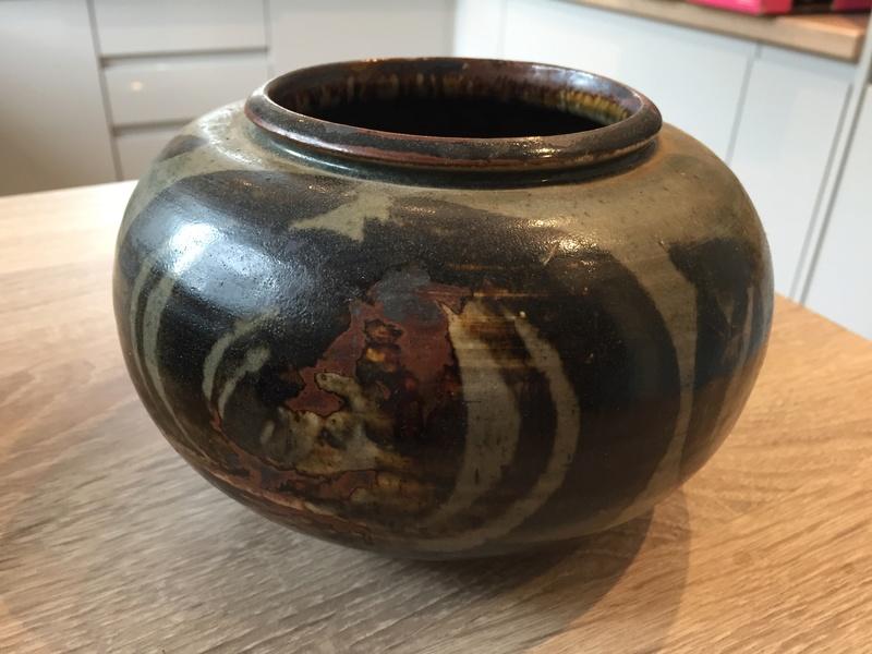 Vase/bowl with BI mark Img_2648