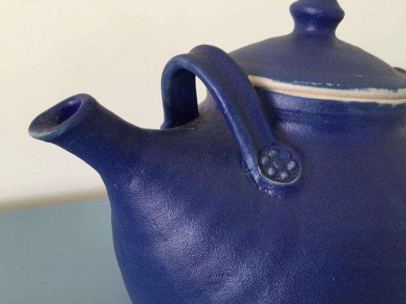 Large tea pot BB mark Img_2720