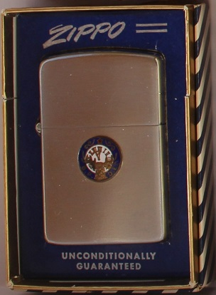 prochainement dans ma collection zippo  - Page 4 1953-510
