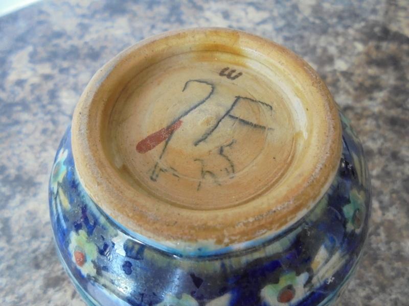 Help ID Vase Art Nouveau Design Signed Dsc05910