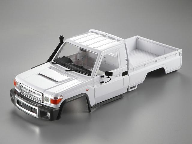 Toyota LC70 sur MST CFX. Lc70av10