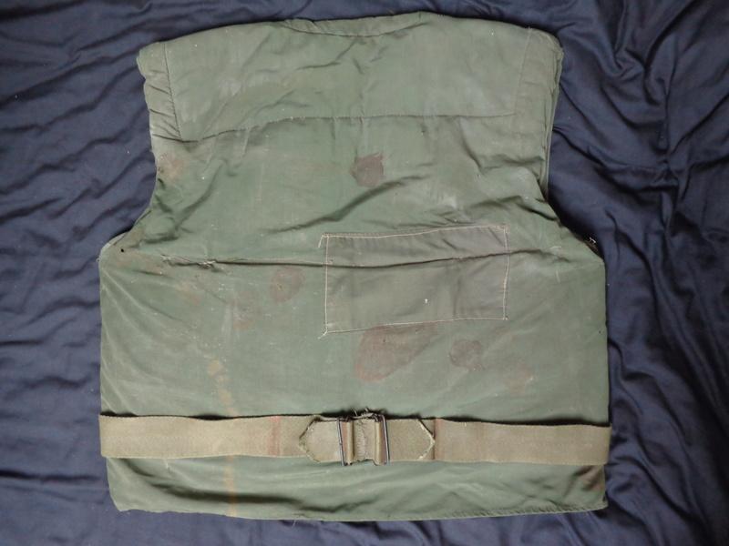 USMC M52 flak jacket Dsc03739