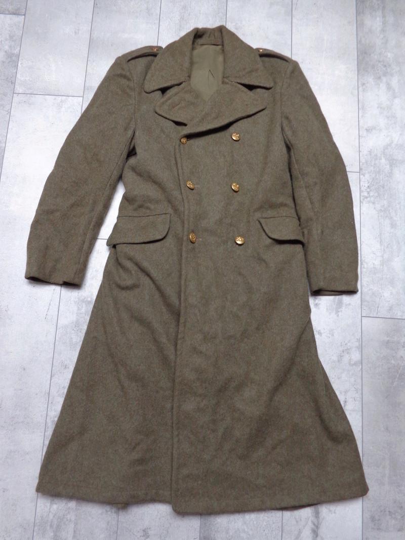 Some Belgian items, beret ID's needed Dsc03836