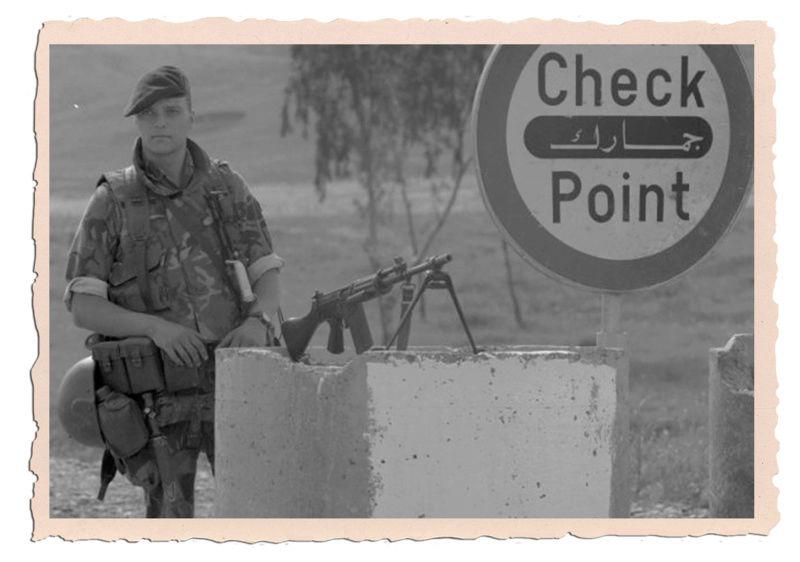 Dutch army loadout displays (cold war era) - Page 2 Irak10