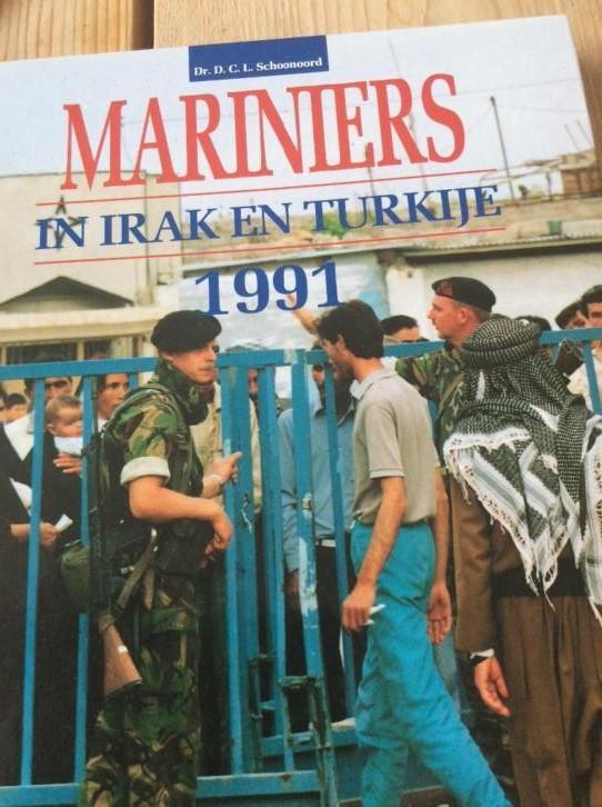 Dutch army loadout displays (cold war era) - Page 2 Irak__10