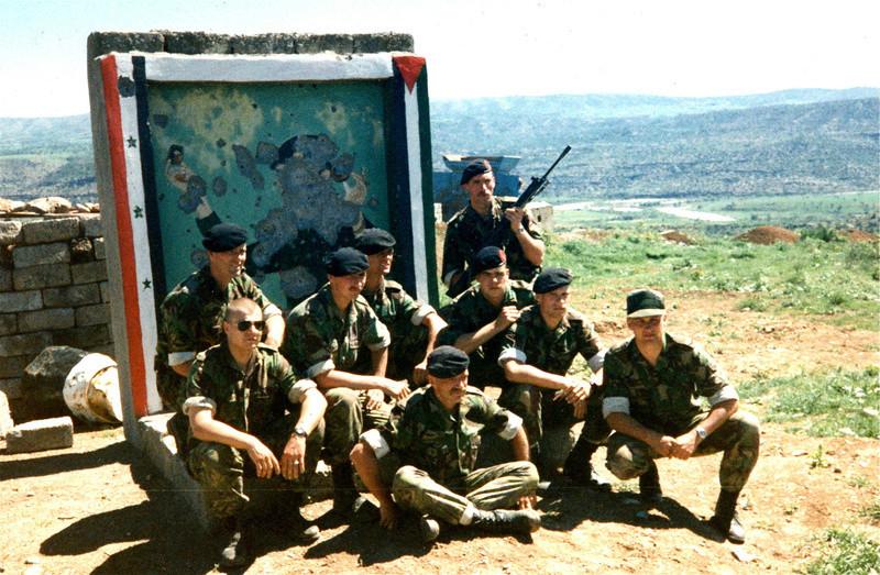 Dutch army loadout displays (cold war era) - Page 2 Irak_b10