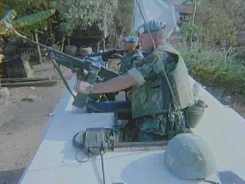 Dutch army loadout displays (cold war era) - Page 2 Mk6_he10