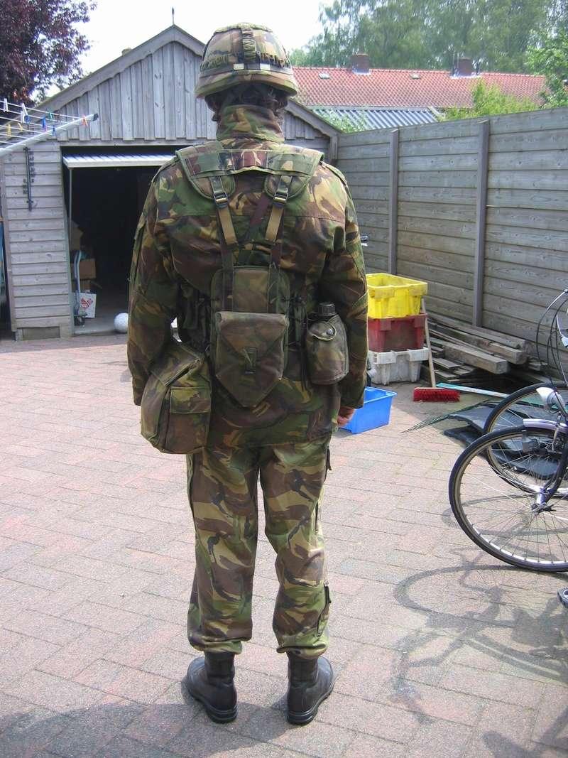 Dutch army loadout displays (cold war era) - Page 2 Nederl31