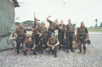 Dutch army loadout displays (cold war era) - Page 2 Vest_r10