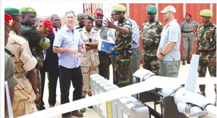 Forces Armées Camerounaises - Page 5 Scanea10