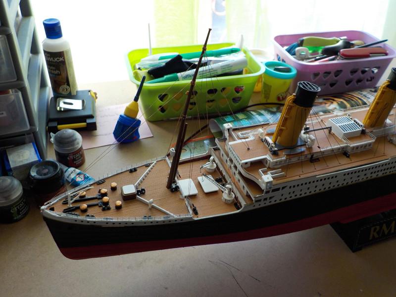 Titanic 1/400 de Revell - Page 10 Dscn3110