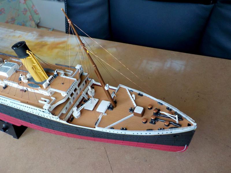 Titanic 1/400 de Revell - Page 10 Dscn3111