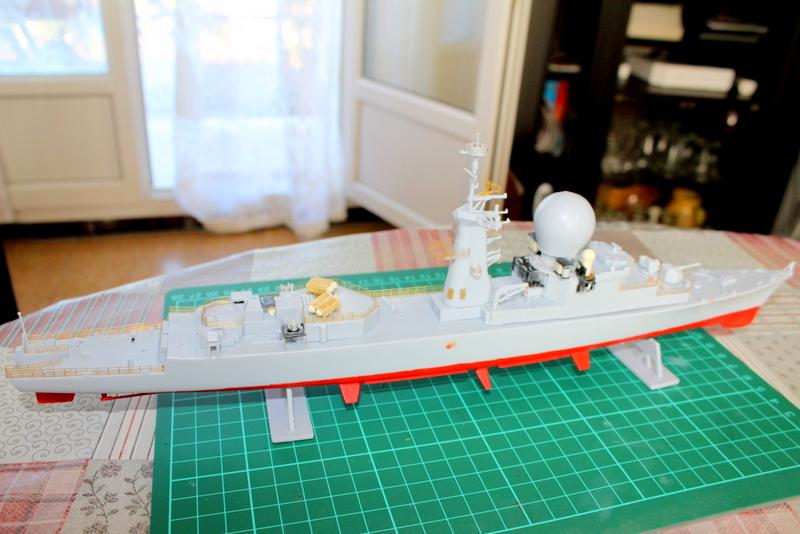 fregate duquesne heller 1/400 Img_7820