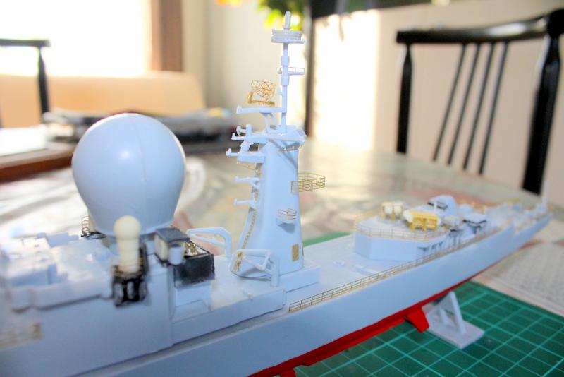 fregate duquesne heller 1/400 Img_7821