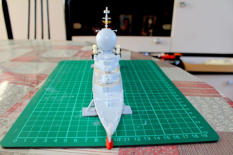 fregate duquesne heller 1/400 Img_7824