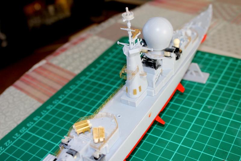 fregate duquesne heller 1/400 Img_7825