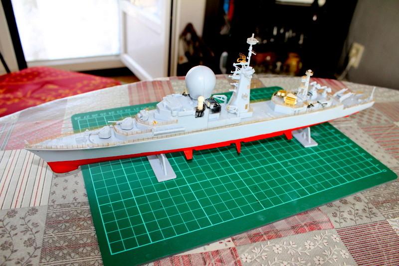 fregate duquesne heller 1/400 Img_7827