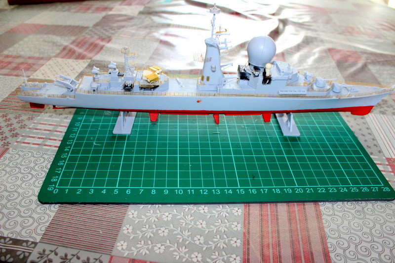 fregate duquesne heller 1/400 Img_7830