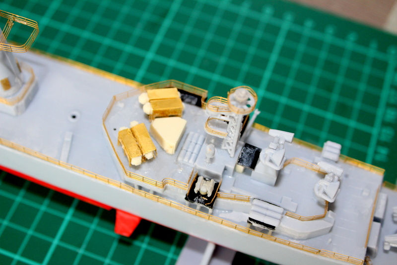 fregate duquesne heller 1/400 Img_7831