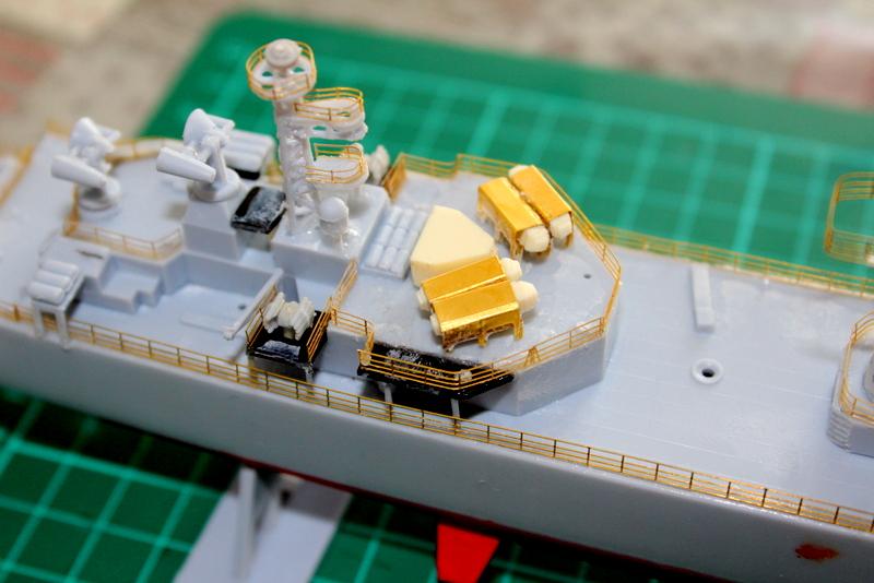 fregate duquesne heller 1/400 Img_7832