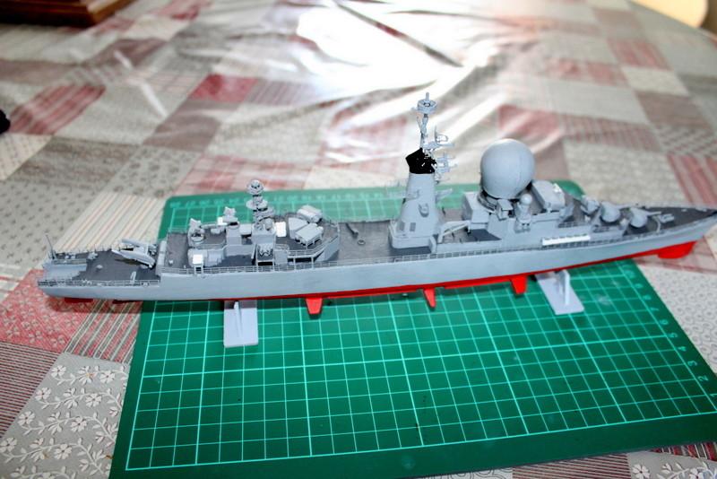 fregate duquesne heller 1/400 Img_7837
