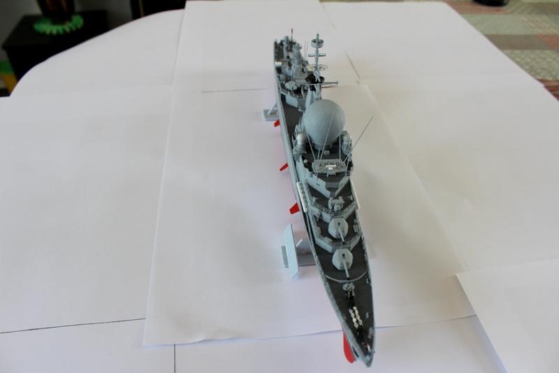 fregate duquesne heller 1/400 Img_8411