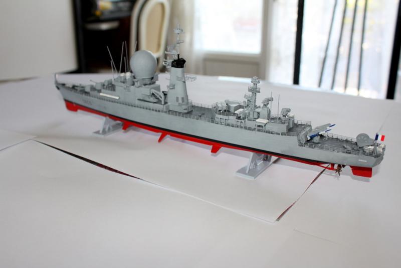 fregate duquesne heller 1/400 Img_8416