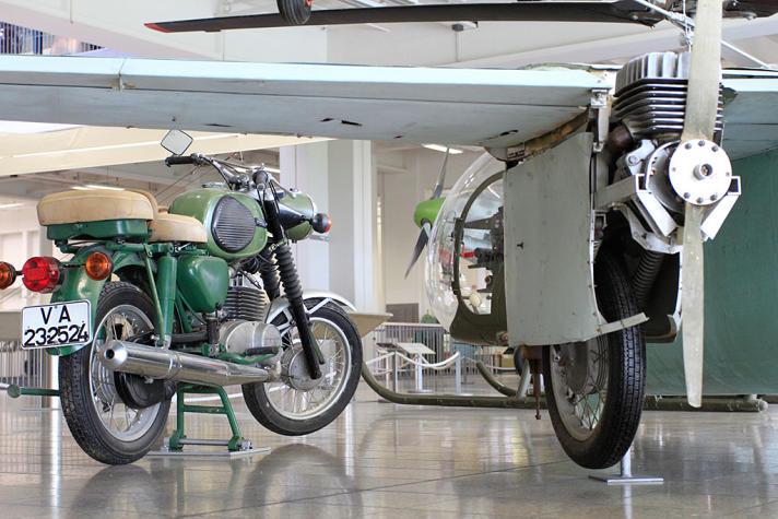 DOWA81 : des ailes pour une MZ-ES-250/2 ! 010leb10