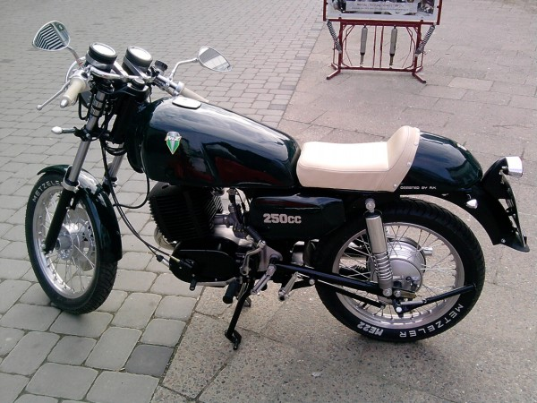 Transformations Cafe Racer 11210
