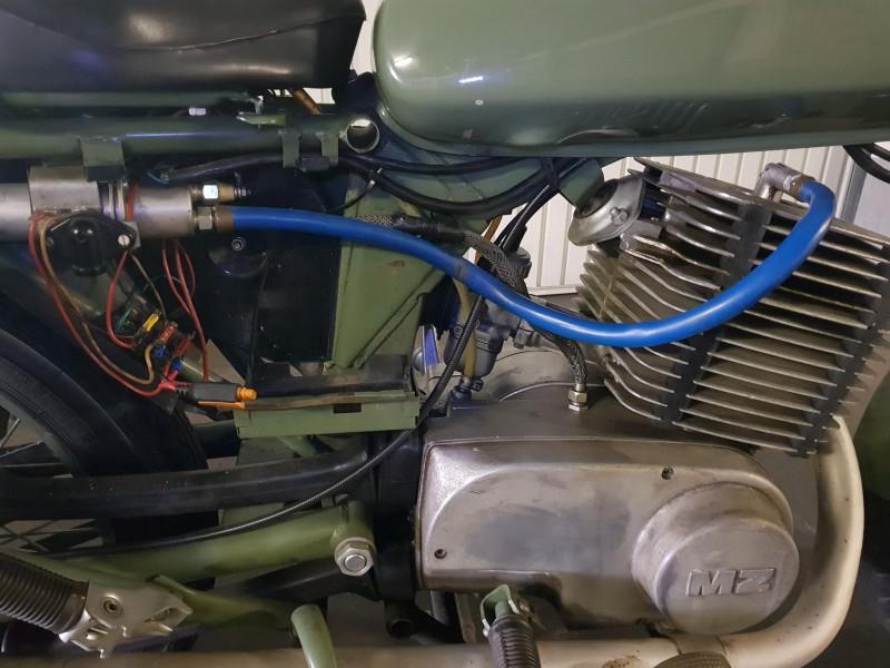 Electricité des motos administratives (250/A) 20170912