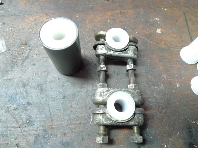 Commande groupée douilles polyamide pour side-car P1040111