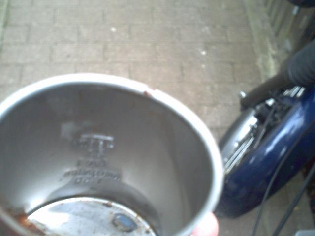 Bouchons de réservoirs  Pict0010