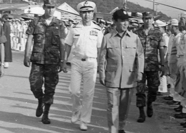 Hồi tưởng lại hai nền Đệ Nhất và Đệ Nhị Cộng Hòa của Nam Việt Nam cách nay 60 năm. - Page 2 Tong-t10