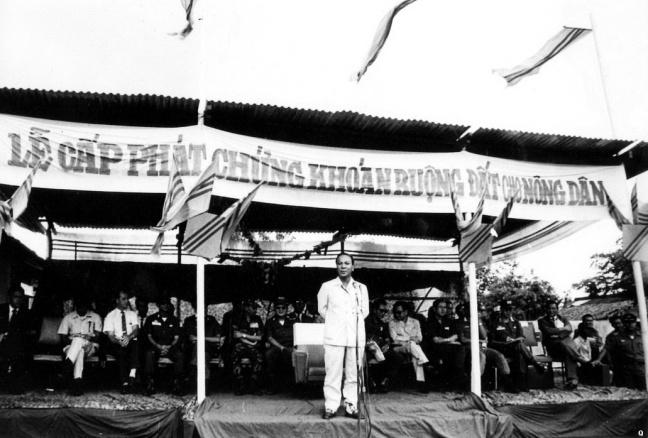 Hồi tưởng lại hai nền Đệ Nhất và Đệ Nhị Cộng Hòa của Nam Việt Nam cách nay 60 năm. - Page 2 Tong-t12