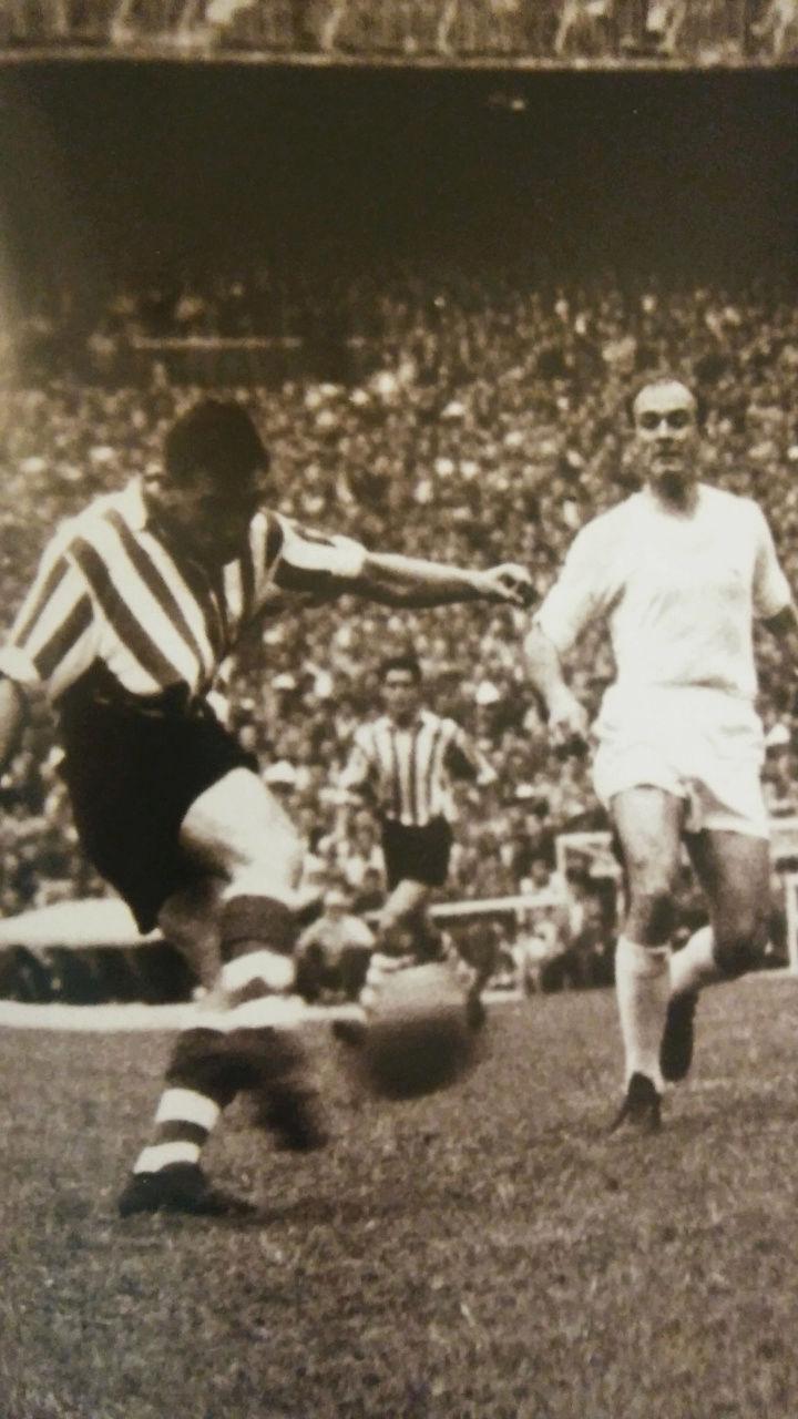 FOTOS HISTORICAS O CHULAS  DE FUTBOL - Página 2 Screen53