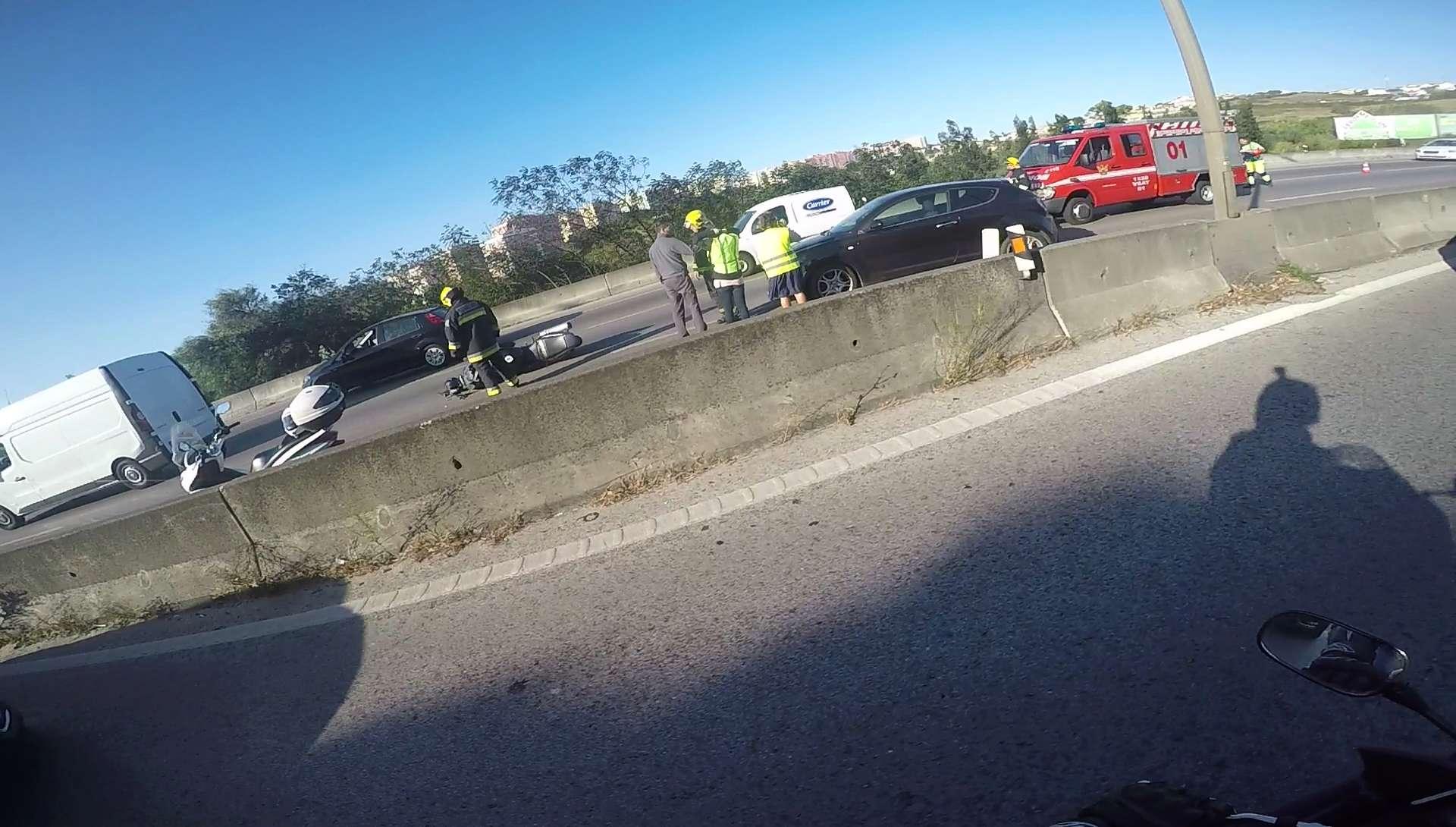 Acidente IC19 15-09-2017 - Sentido Sintra - Lisboa Vlcsna21