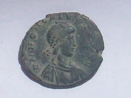 Decargiro o Pecunia Maiorina de Honorio. GLORIA ROMANORVM. Nicomedia 102_4110