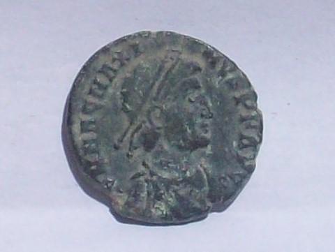 AE2/ Maiorina de Magno Máximo. REPARATIO REIPVB. Lyon 102_4116