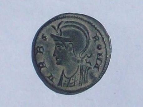 AE3 Conmemorativa de la fundación de Roma (VRBS ROMA). Constantinopla 102_4132