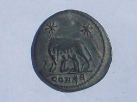 AE3 Conmemorativa de la fundación de Roma (VRBS ROMA). Constantinopla 102_4133