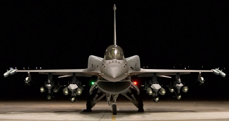LOCKHEED MARTIN F-16 FIGHTING FALCON 14678310