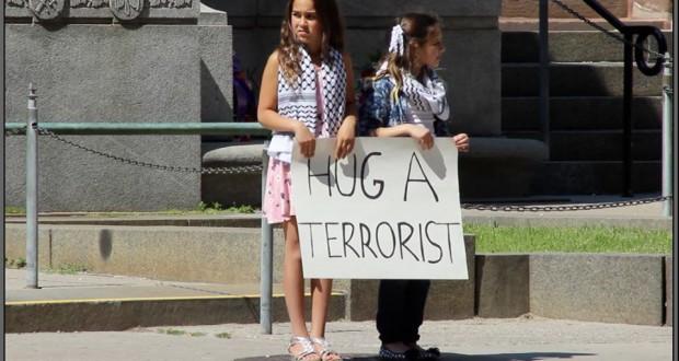 """""""ABRAZA A UN TERRORISTA"""" (para acabar con el terrorismo) 51dh6e12"""